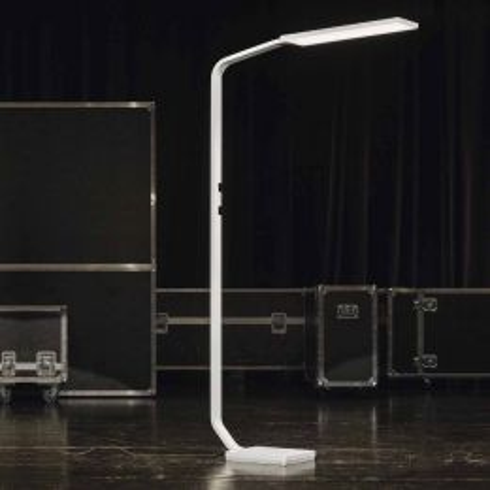 Nimbus Force One Power 2700K LED Stehleuchte extrawarm
